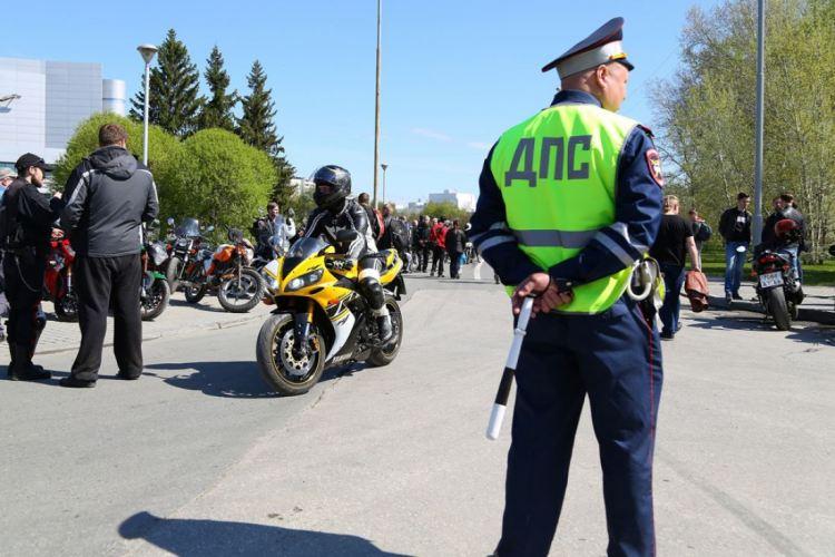 Забрянскими мотоциклистами начали следить скрытые патрули