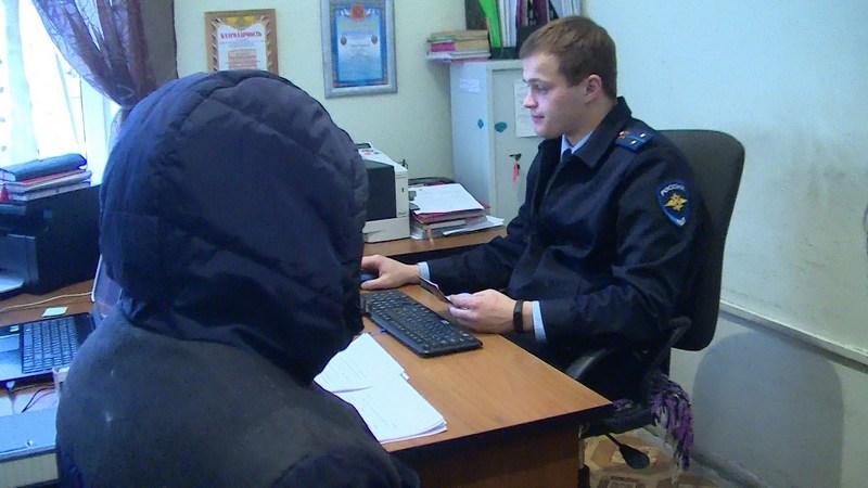 В Брянске уголовник с молотком напал на букмекерскую контору и заправку