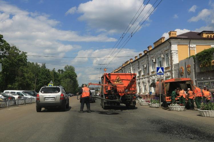 В Брянске активно продолжается ремонт дорог