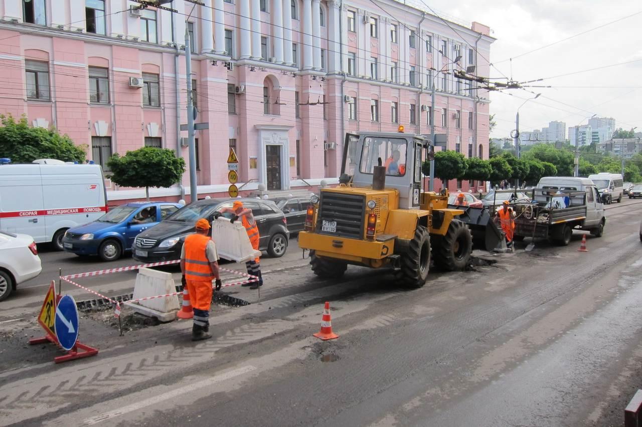 В Брянске приступили к капитальному ремонту 19 дорог