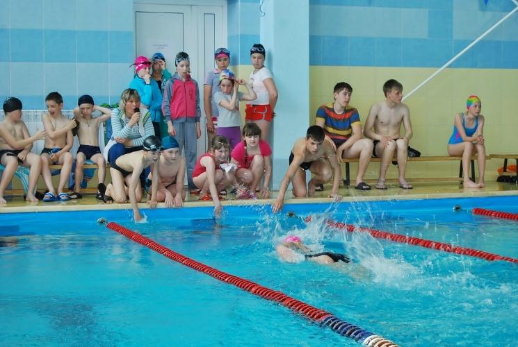 В Брянске пообещали отремонтировать школьные бассейны