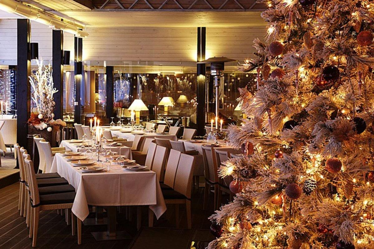 Масштабный пир подготовили в новогоднюю ночь брянские рестораны и отели