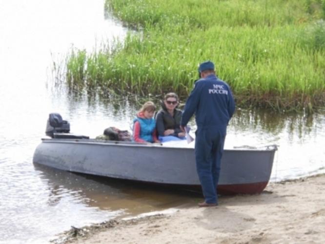 Сотрудники МЧС рассказали брянцам о том, как нужно вести себя на воде