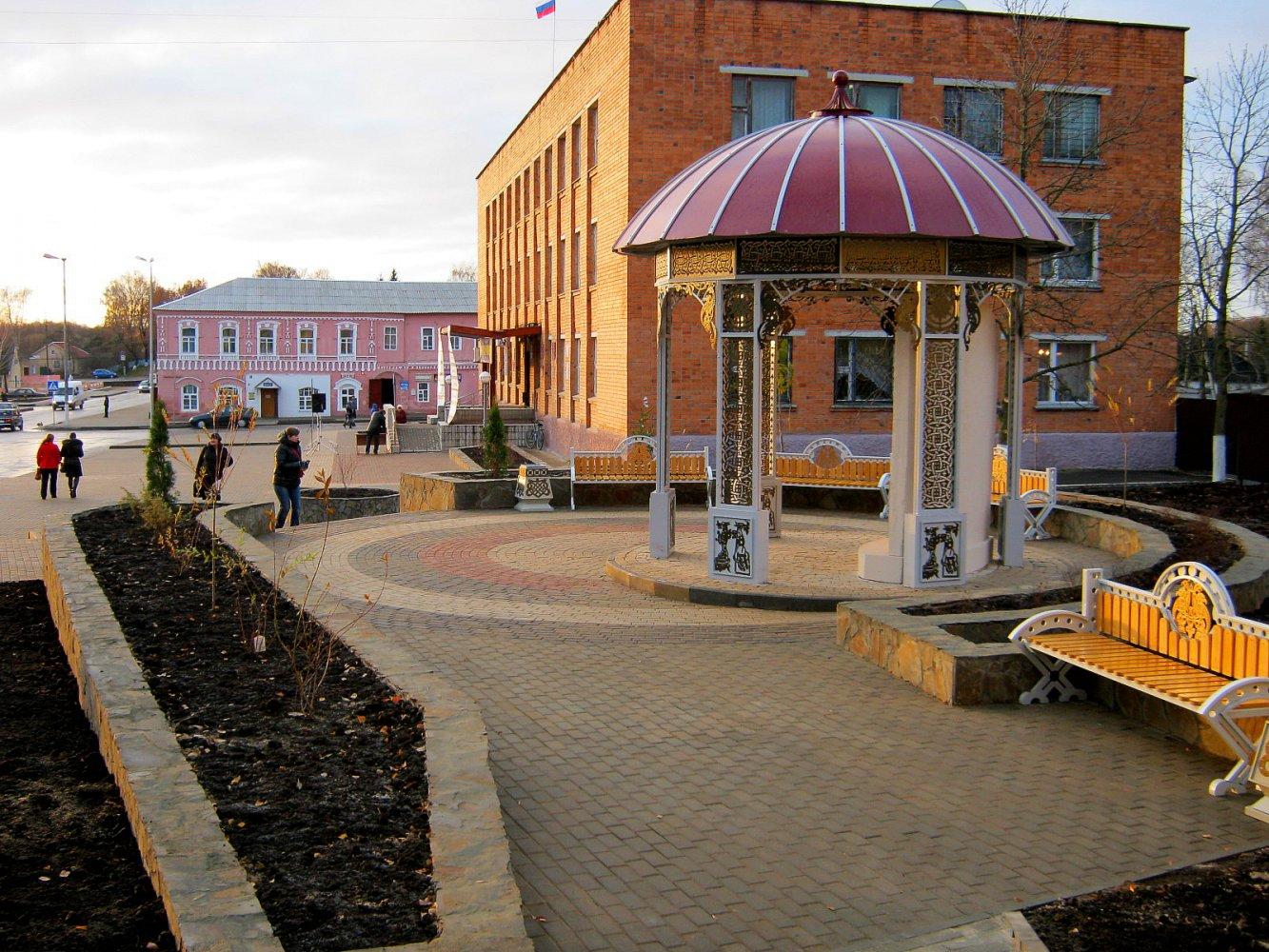 В Рогнедино благоустроили дворы за 2,7 млн рублей