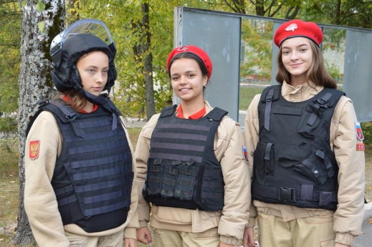 Брянские кадеты встретились с представителями Росгвардии