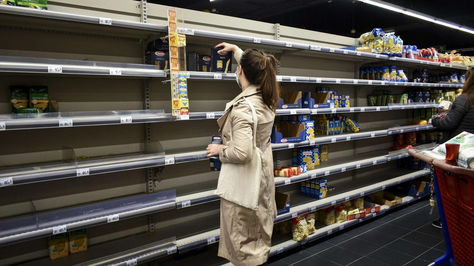 Информацию о дефиците сахара в магазинах опровергли власти Брянска