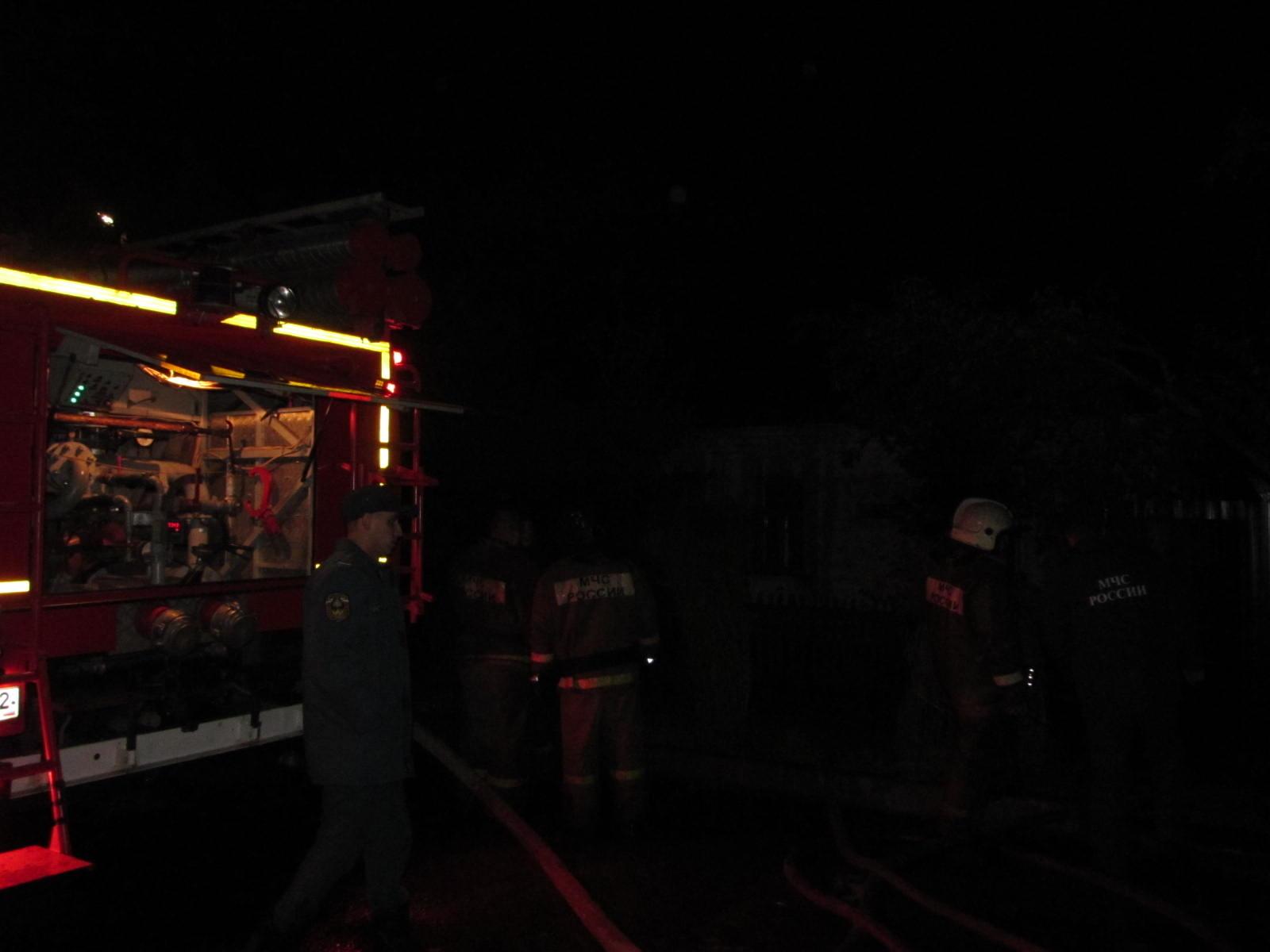 В Фокинском районе под утро сгорел гараж