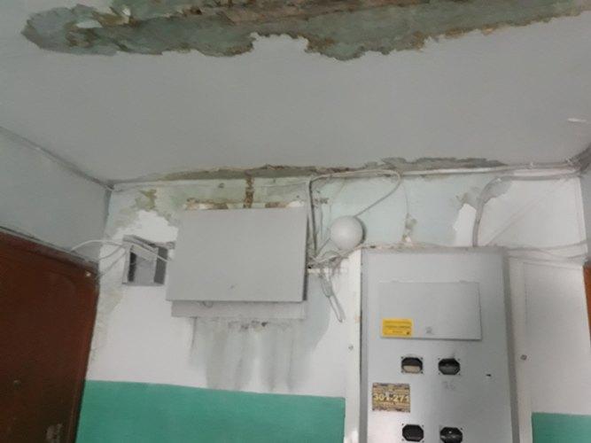 В одном из домов Советского района Брянска в любой момент может взорваться электрощиток