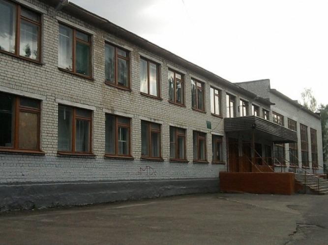 В Брянске затопило школу №56