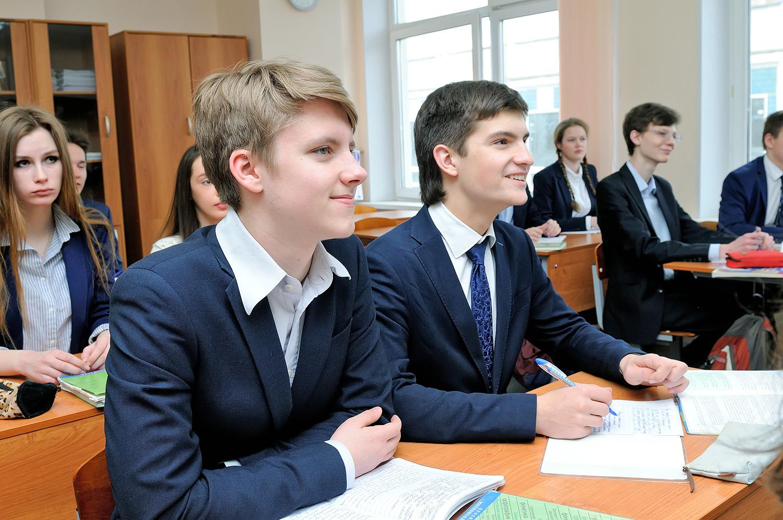 Брянские школьники из-за длинных каникул будут учиться по субботам