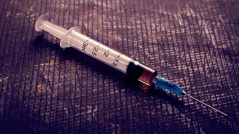 В Брянске стражи порядка нашли у женщины шприц с амфетамином