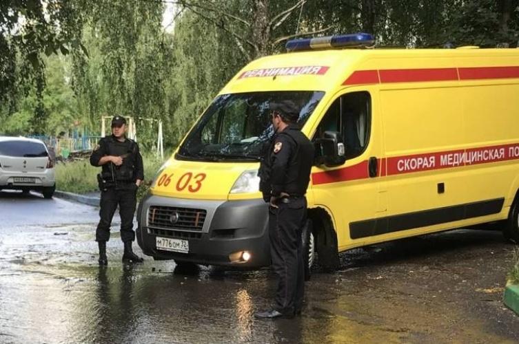 В Брянске на улицу вышел мужчина с ножевым ранением в области сердца