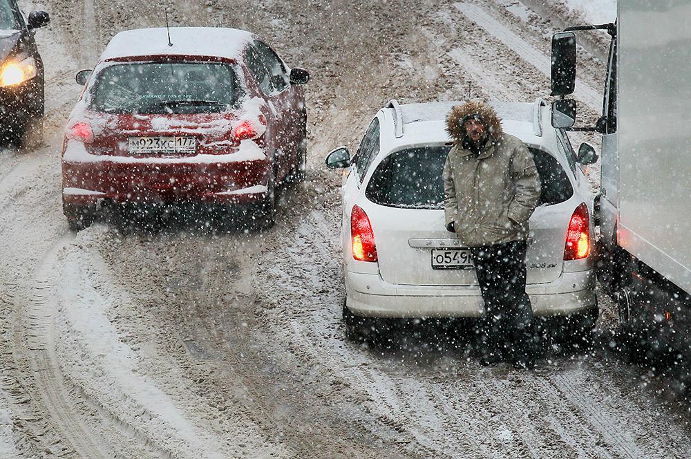 Завтра в Брянской области ожидаются метель и снежные заносы
