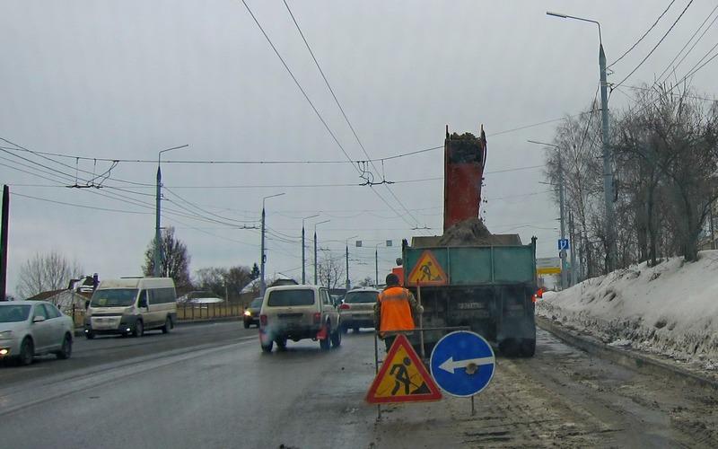 С брянских улиц за сутки убрали 1600 тонн снега