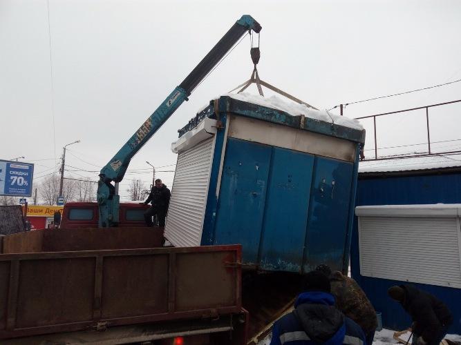 В Брянске снесли 6 продуктовых киосков