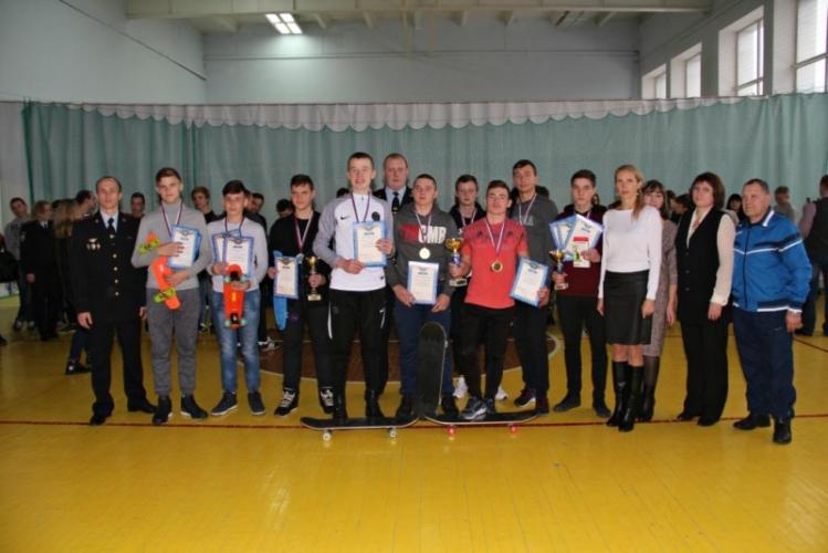Брянские полицейские провели спартакиаду для подростков