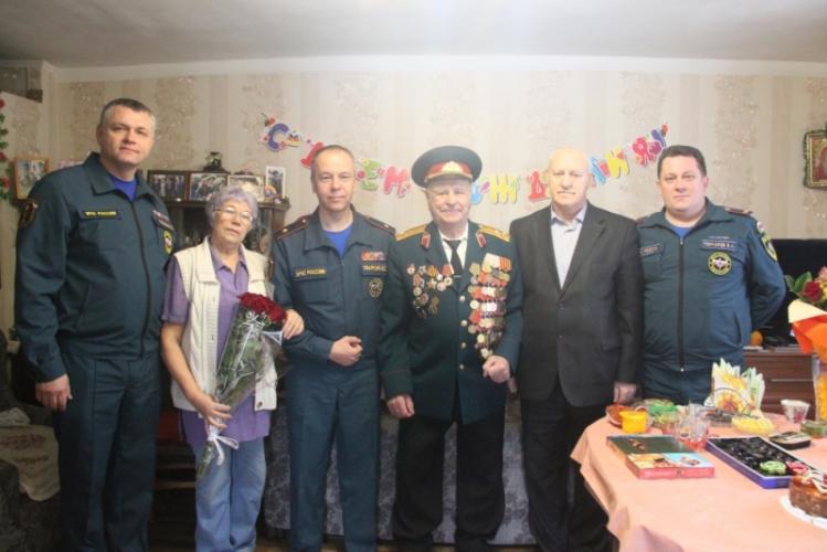 В Брянске отмечает юбилей легендарный спасатель Иван Ивкин