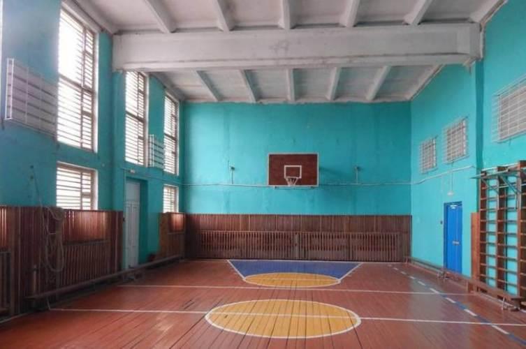 В сельской школе Клинцовского района отремонтируют спортзал