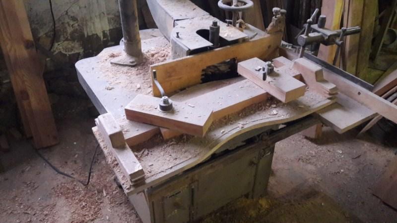 В Жуковке деревообрабатывающий станок покалечил рабочего