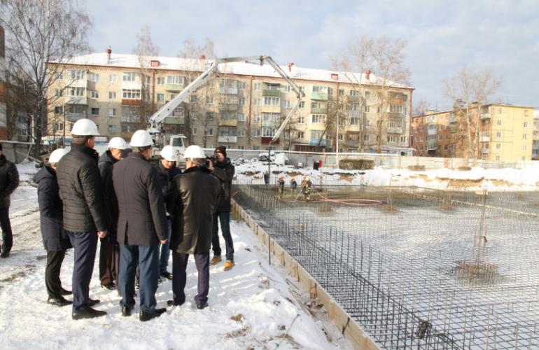 В Фокинском районе Брянска продолжается строительство детского сада