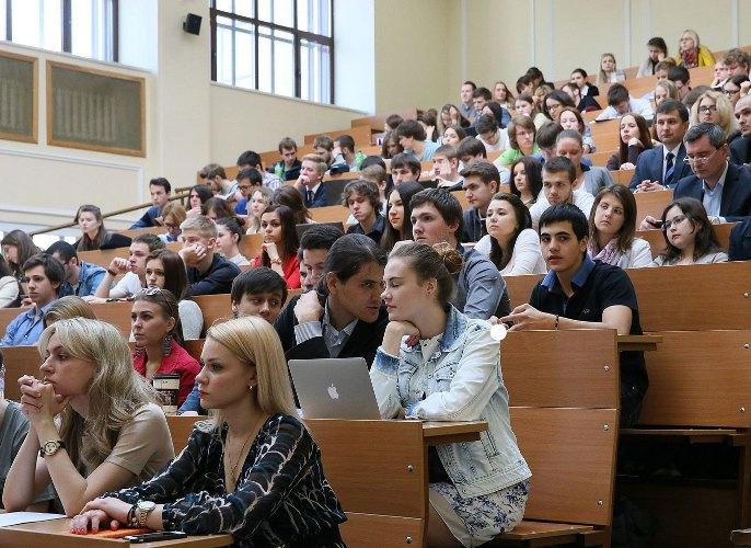 Брянских студентов и преподавателей приглашают на фестиваль-конкурс «Память народа»