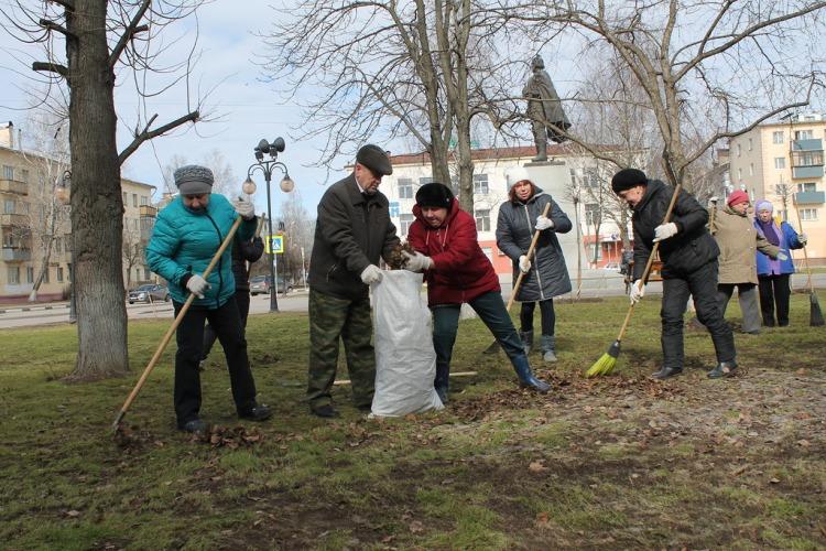 В Брянске чиновники пожаловались на грязь возле торговых центров