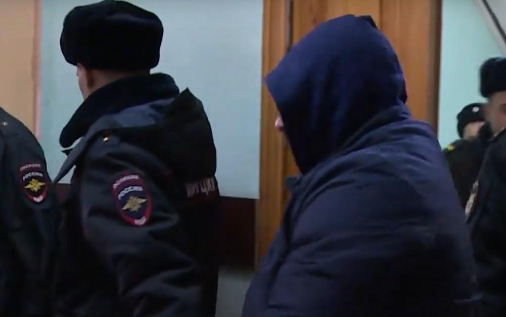 Убившего подростка брянского полицейского отправили в колонию на 13,5 лет