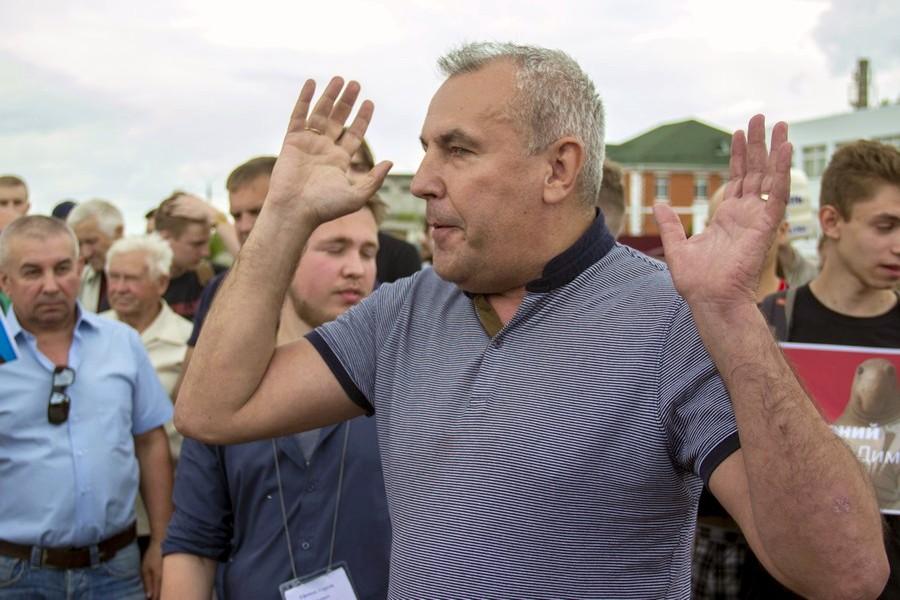 В Брянске начался суд над экс-владельцем ТЦ Александром Коломейцевым