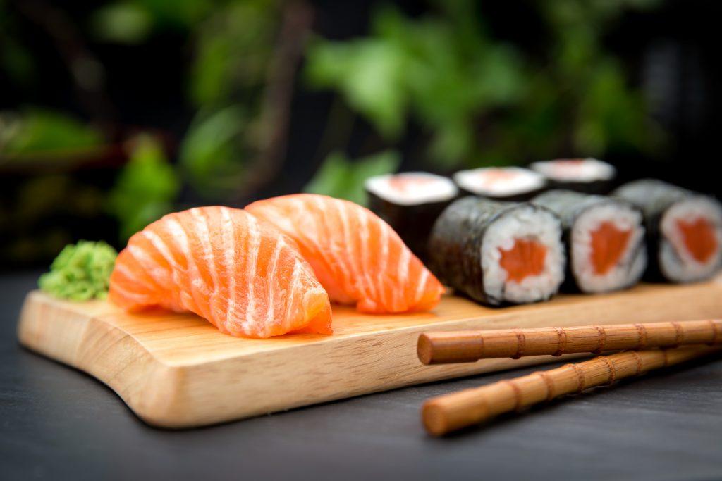 В Брянске пресекли незаконную продажу суши