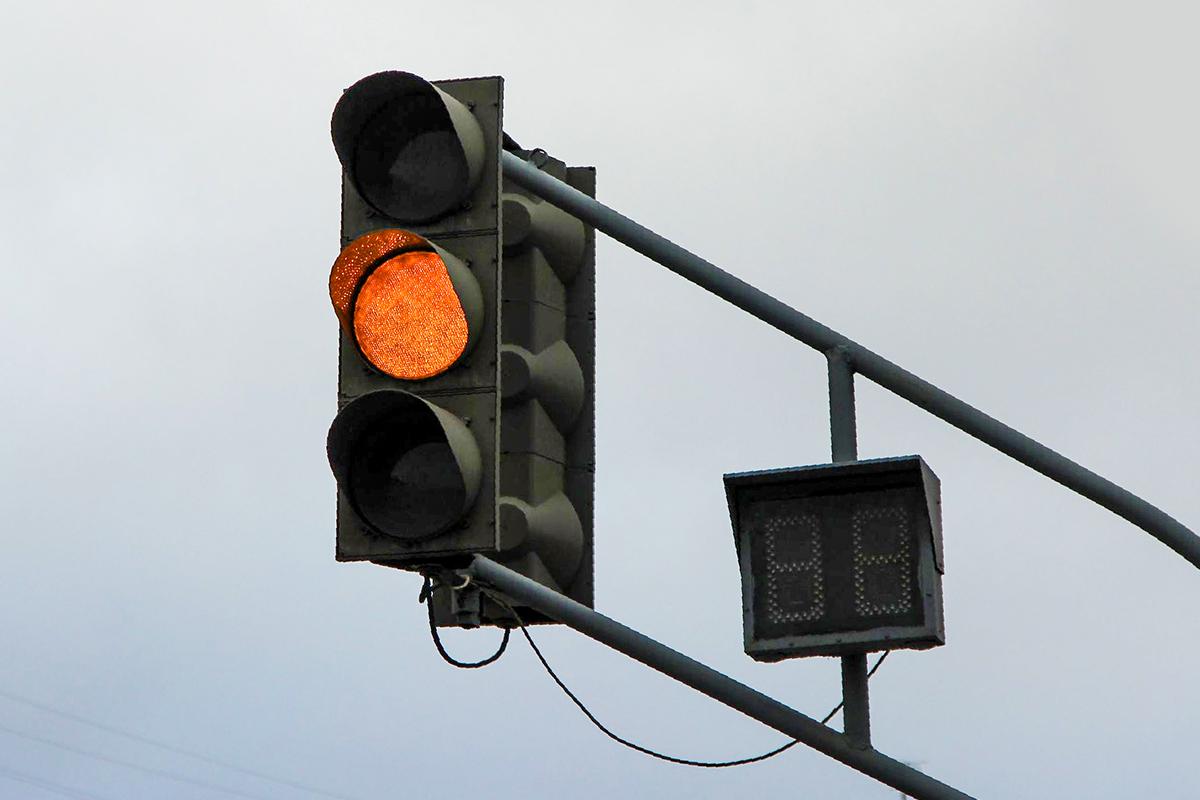 В Брянске на улице Горбатова внезапно отключился светофор