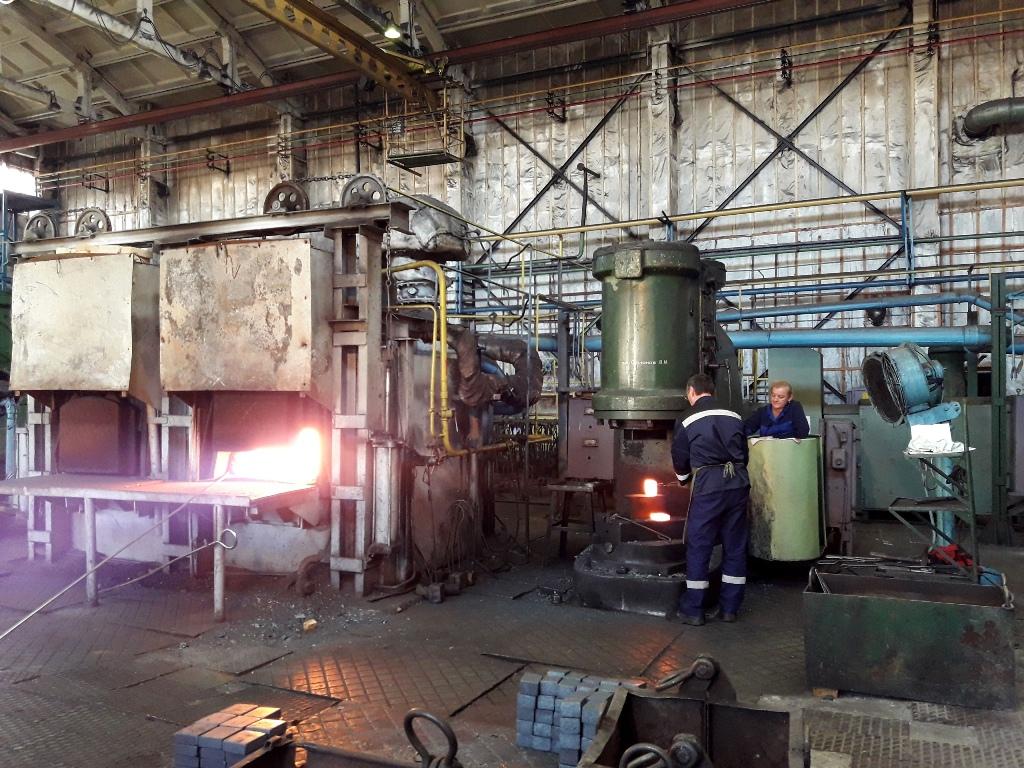 В Брянске за взятки осудят бывшего начальника 192-го завода