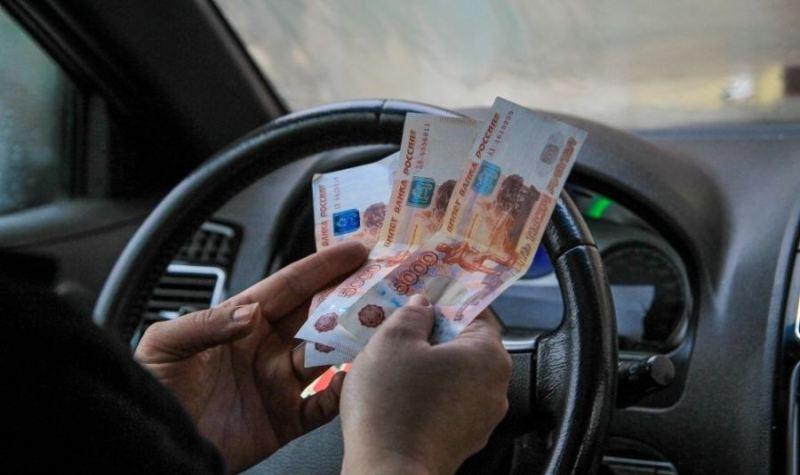 Брянские таксисты втрое подняли стоимость посадки в новогоднюю ночь