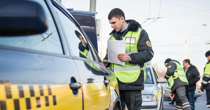 Брянцы могут пожаловаться на недобросовестных таксистов