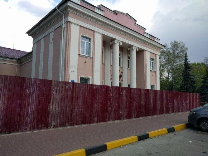 В Брянске продолжается ремонт театра кукол