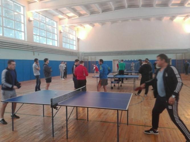 Сотрудники МЧС увлеклись настольным теннисом