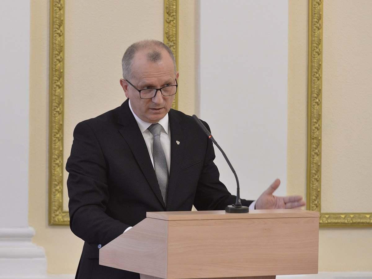 Игорь Тимошин продолжит руководить департаментом семьи Брянской области