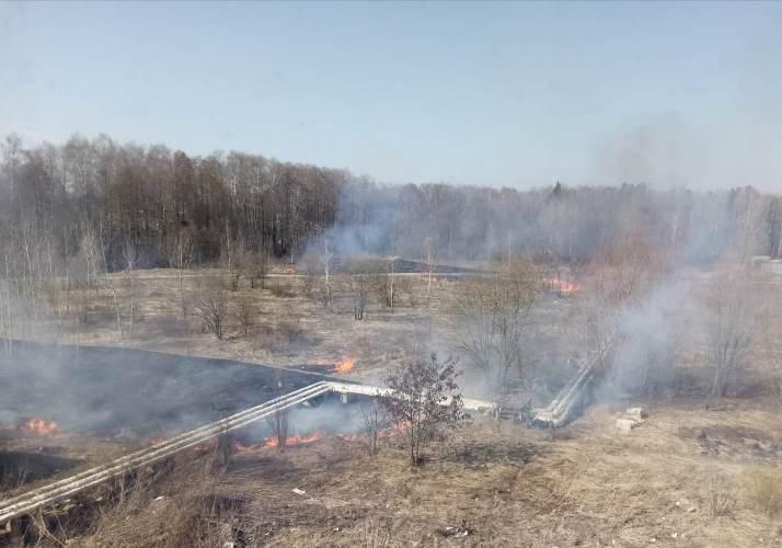 В микрорайоне Отрадное произошел крупный пожар