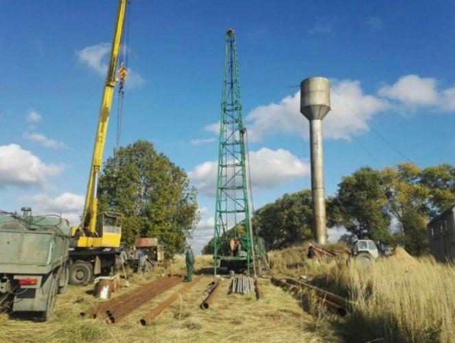 В Трубчевском районе ремонтируют водопопровод