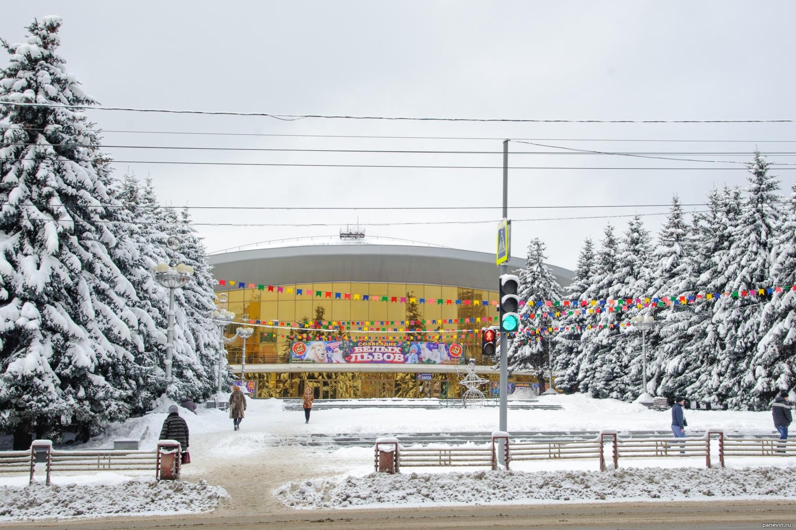 В центре Брянска сегодня вечером запретят парковку автомобилей