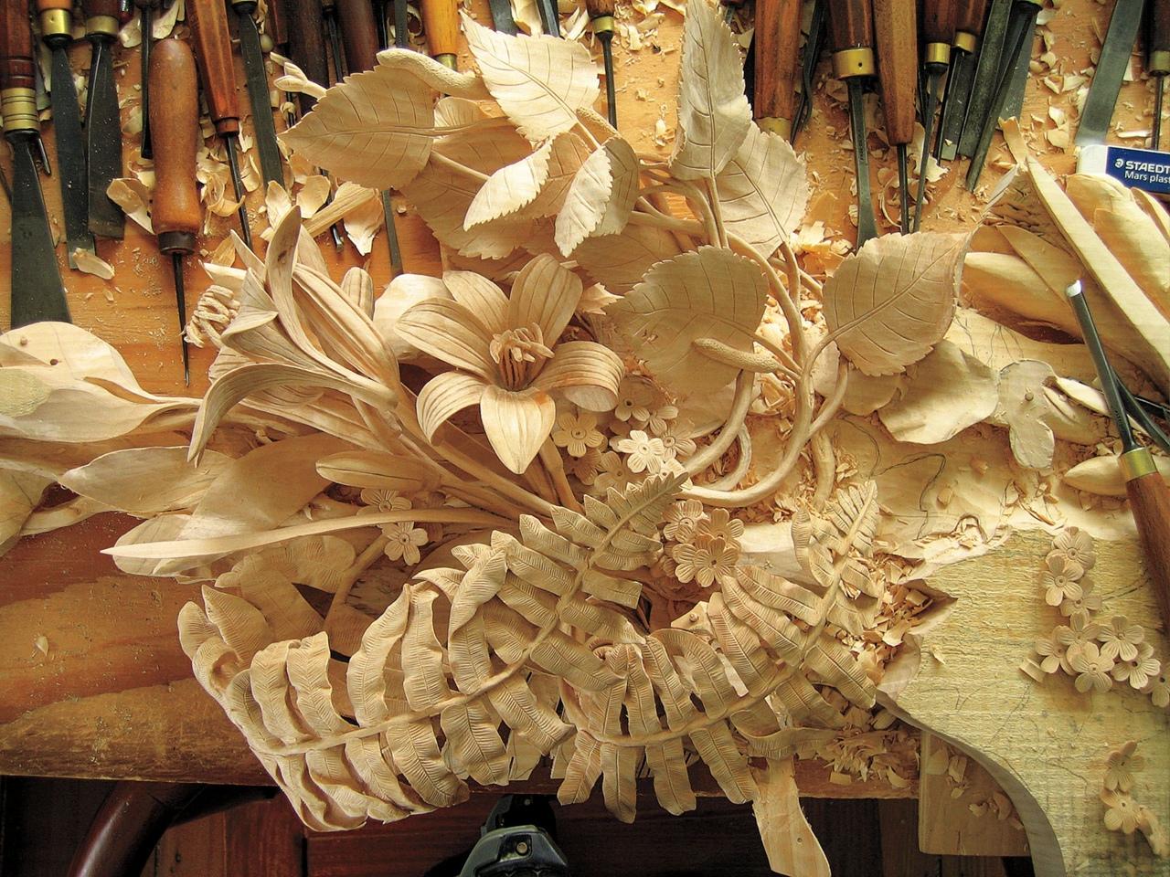В Брянске показали необычную коллекцию растений из дерева