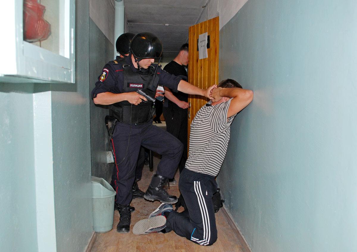 Житель Почепского района Брянской области пытался зарезать своего товарища