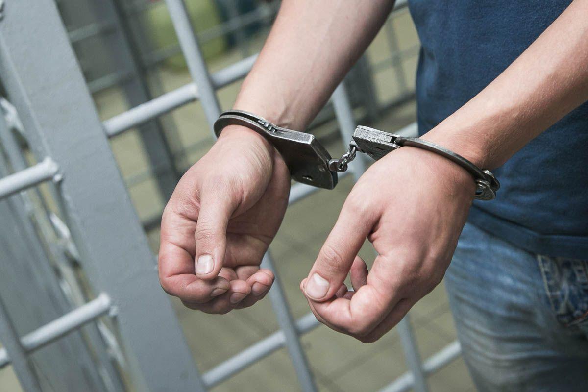 Житель Комаричского района будет осужден за хранение и сбыт наркотиков
