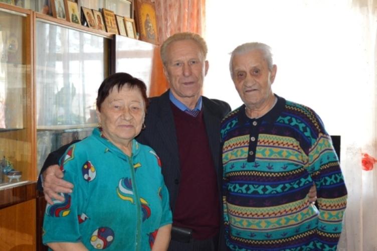Сотрудники брянской исправительной колонии навестили ветеранов ведомства