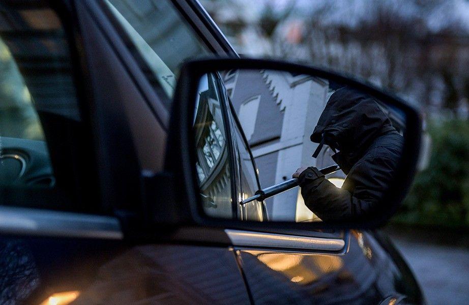В Брянске разыскивают угнанный автомобиль KIA RIO