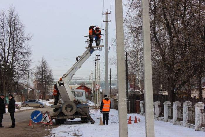 В Брянске обошелся в 27,5 миллиона рублей ремонт уличного освещения