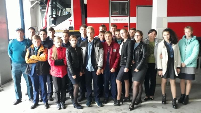 В Унече сотрудники МЧС провели незабываемую экскурсию для школьников