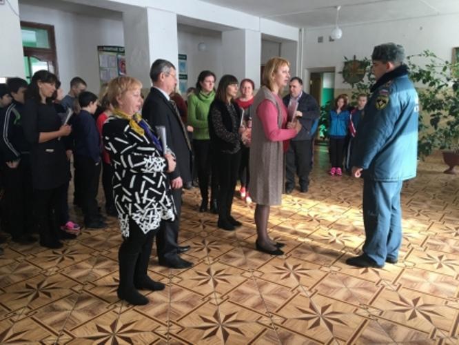 В Унече из школы-интерната эвакуировали детей