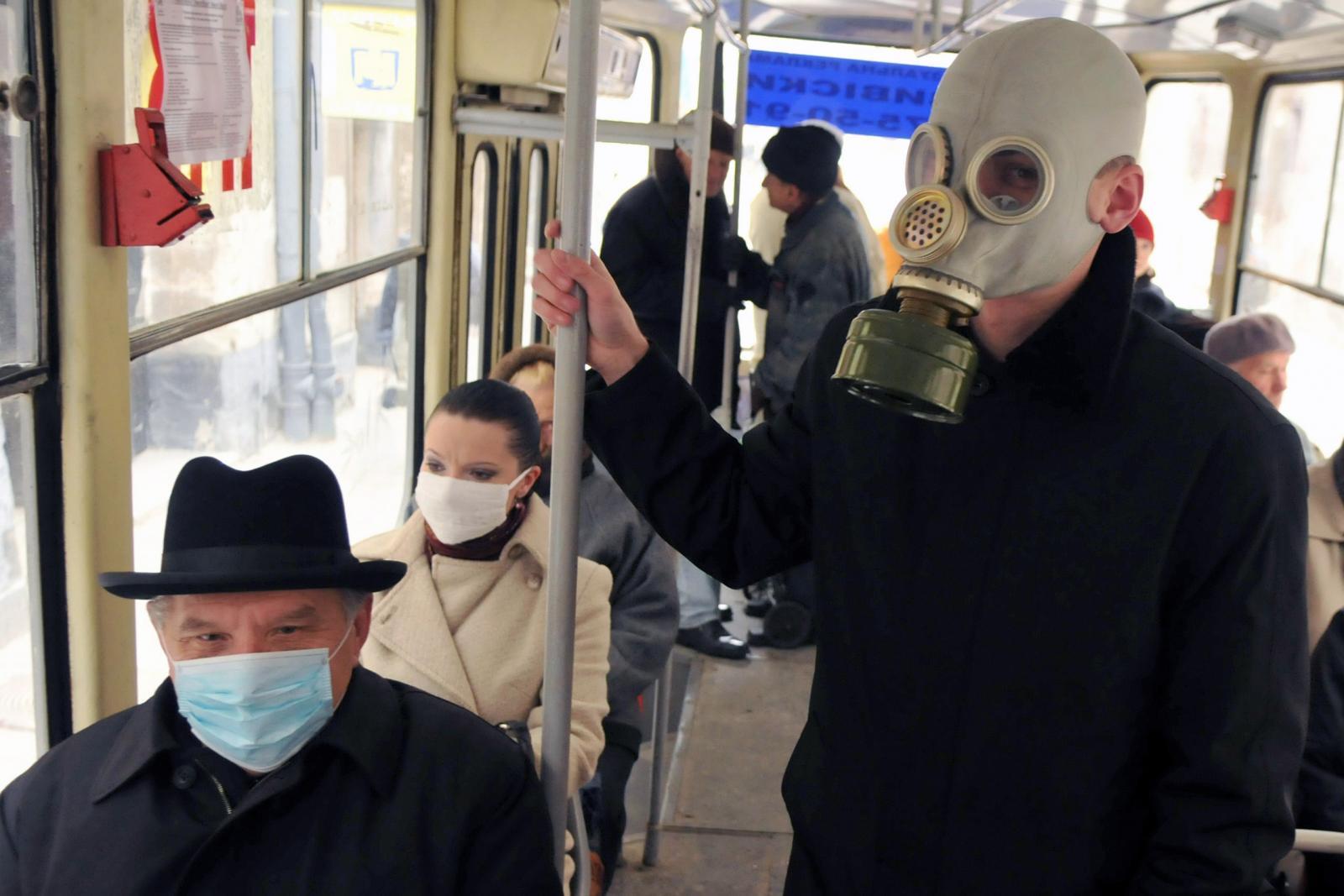 Брянцам запретили в общественном транспорте ездить без масок