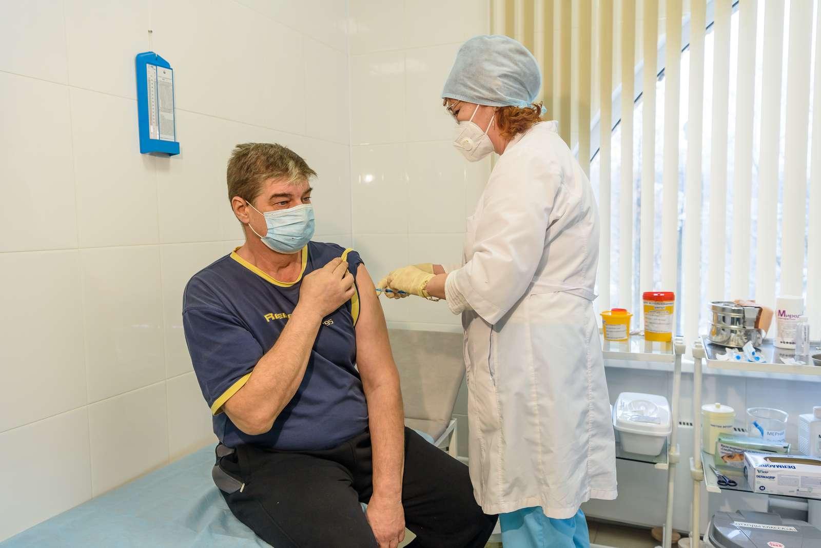 Программу вакцинации расширяют в Брянской области