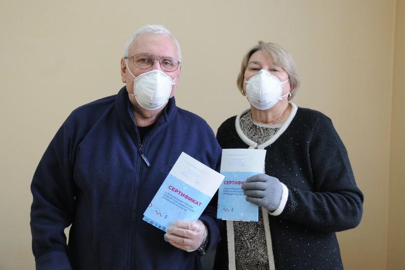 Привились от коронавируса 80 сотрудников брянского предприятия Кремний